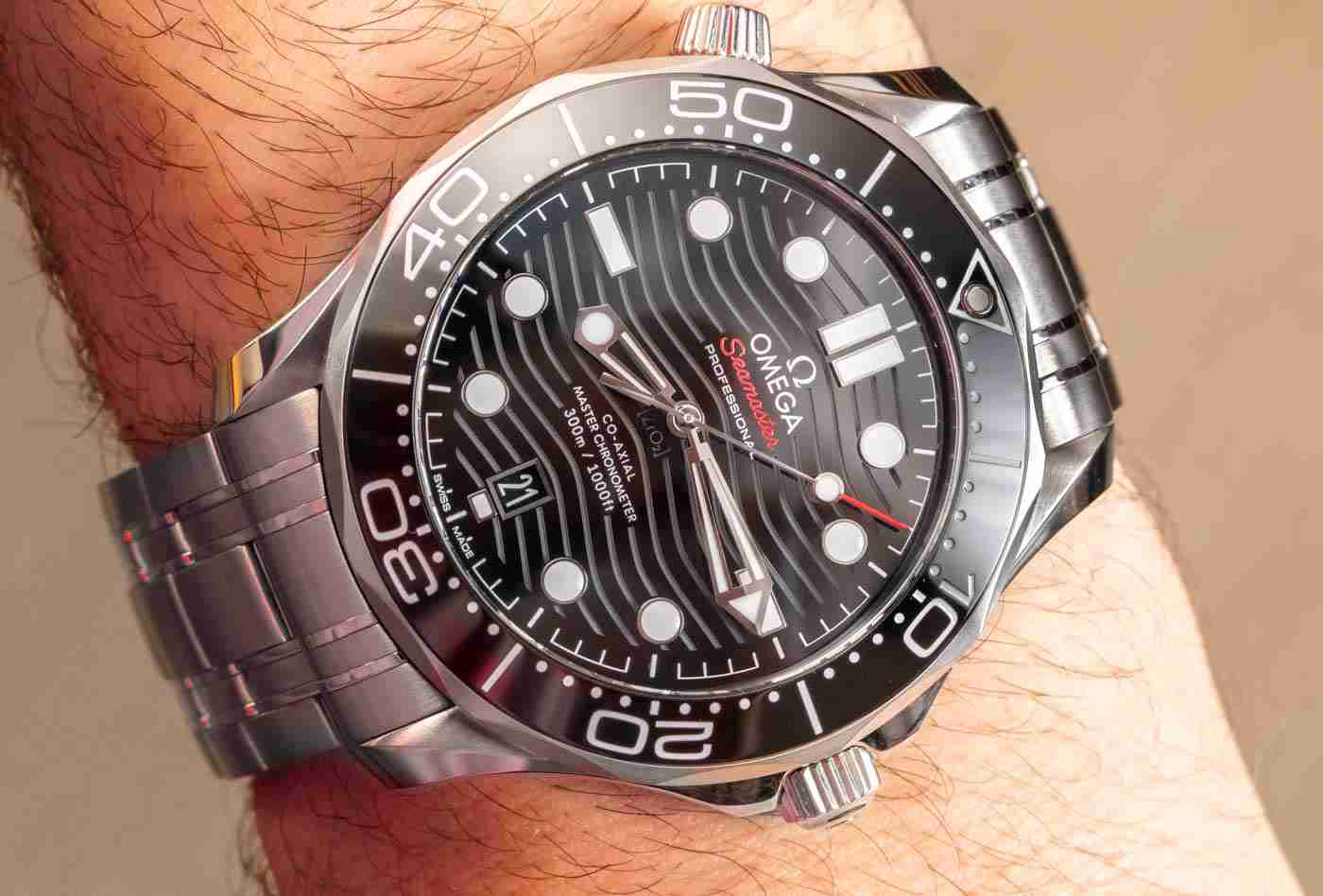 In Depth The Omega Seamaster 300M Co-Axial Master Chronometer Replica Buying Guide