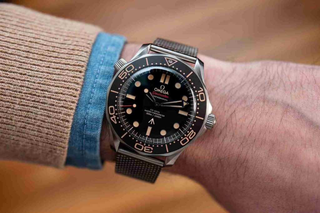 Watches Of James Bond The Rolex Oyster Or Omega Seamaster 300 Replica