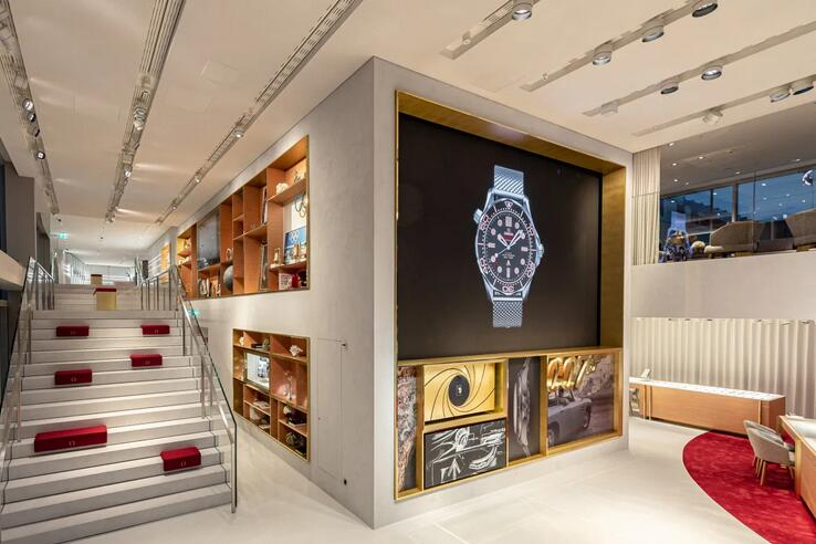 Breaking News: Omega Replica Launched A Large Watch Store in Circle, Europe